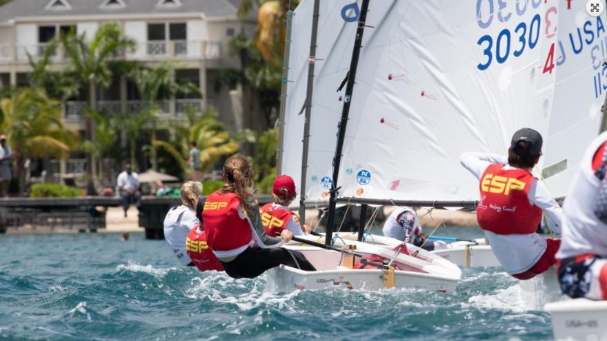 Regatistas españoles durante una de las regatas del Mundial