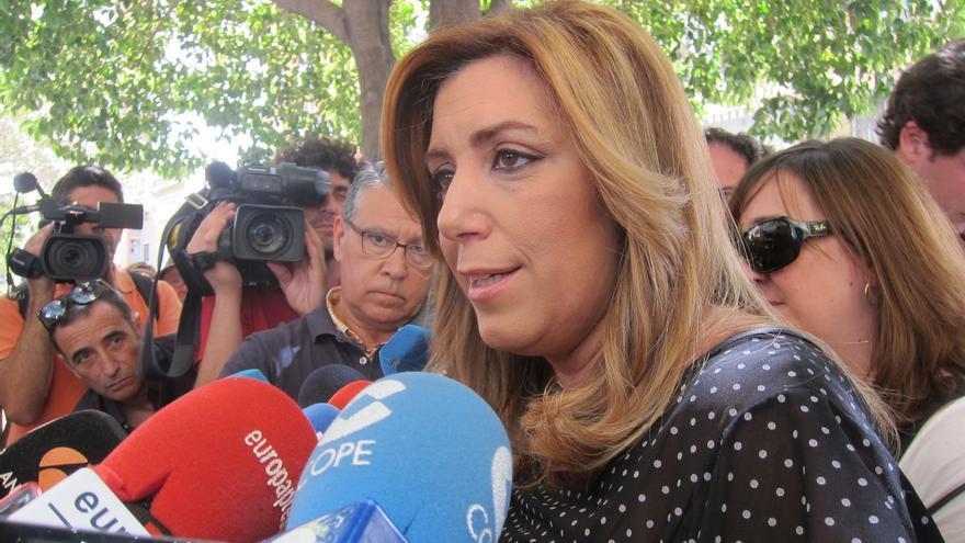 """Susana Díaz critica """"el seguidismo"""" de los partidos nuevos al PP, que es la formación del """"no en Andalucía"""""""