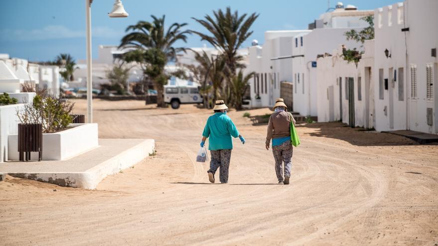 La isla de La Graciosa inicia este lunes la fase 1 del plan de desescalada.