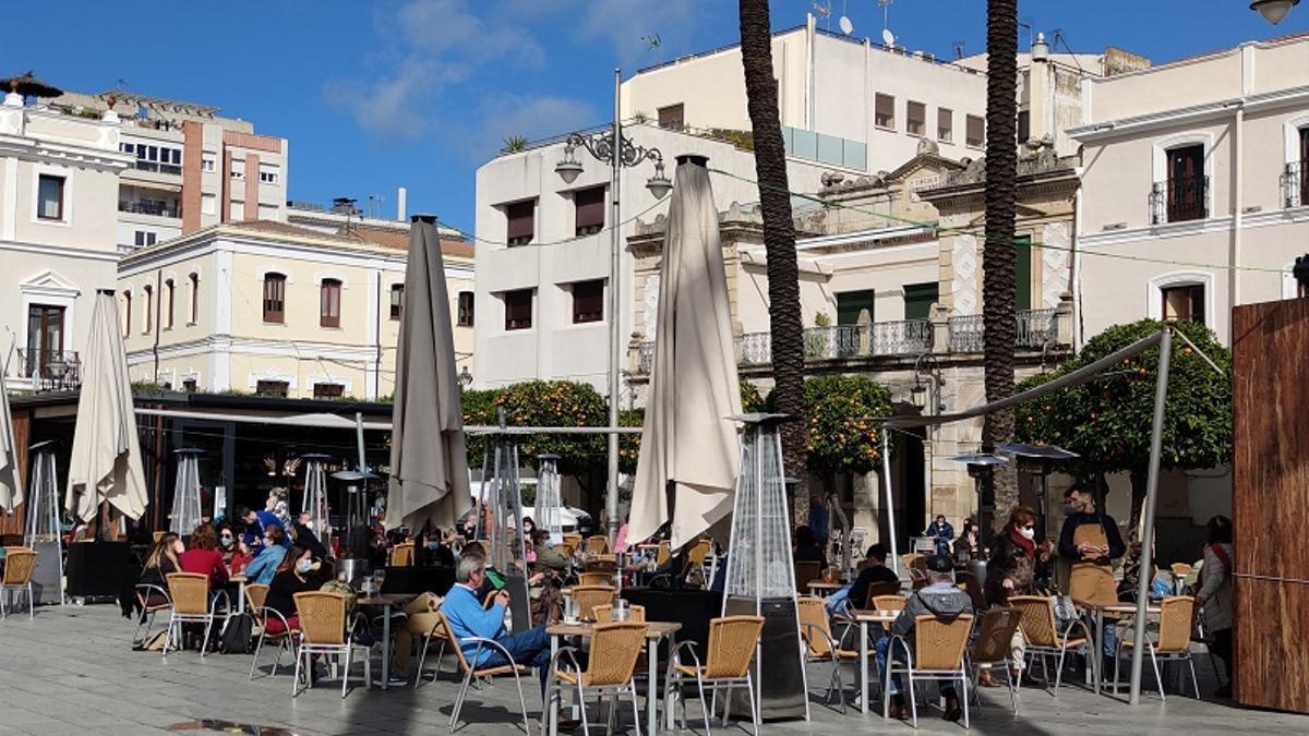 Terrazas en la Plaza de España de Mérida el pasado viernes