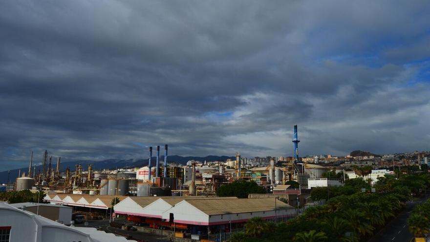 Vista general de la Refinería de Cepsa que iba a ser catalogado como BIC por el Gobierno canario.