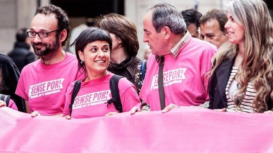 Los 10 diputados de la CUP suscriben el manifiesto a favor del referéndum unilateral