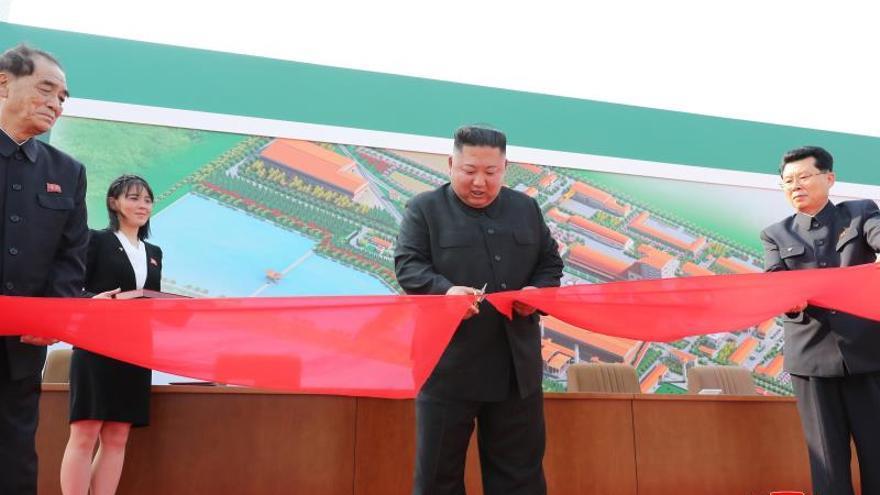 La Inteligencia surcoreana cree que Kim Jong-un no se sometió a operación alguna