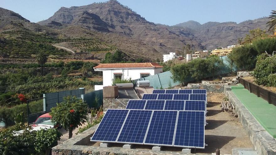 Panel de autoconsumo fotovoltaico instalado en Mogán