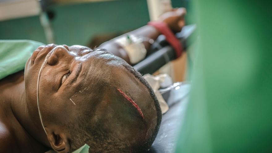 Paciente herido por un corte de machete en el Hospital Regional de Berberati