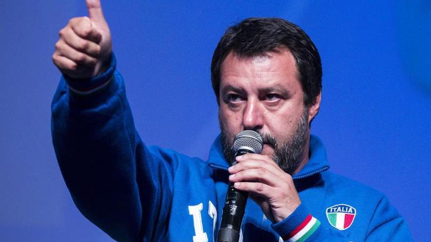 Salvini defiende su idea de multar a quien rescate migrantes por su cuenta