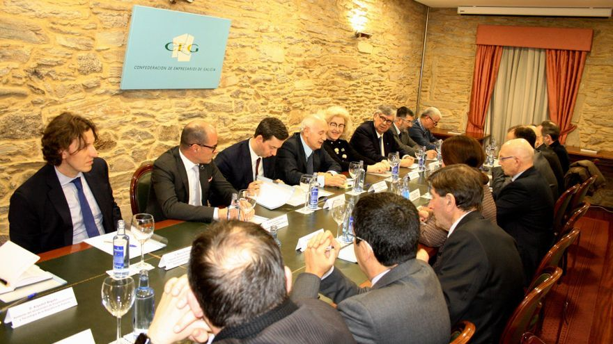 Reunión en la sede de la CEG, en Santiago de Compostela