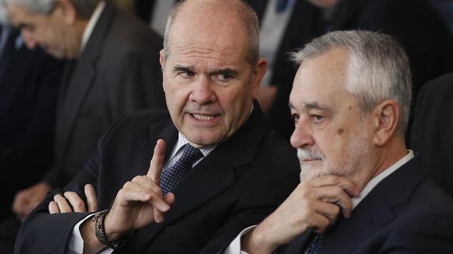 Chaves y Griñán no serán juzgados por asociación ilícita
