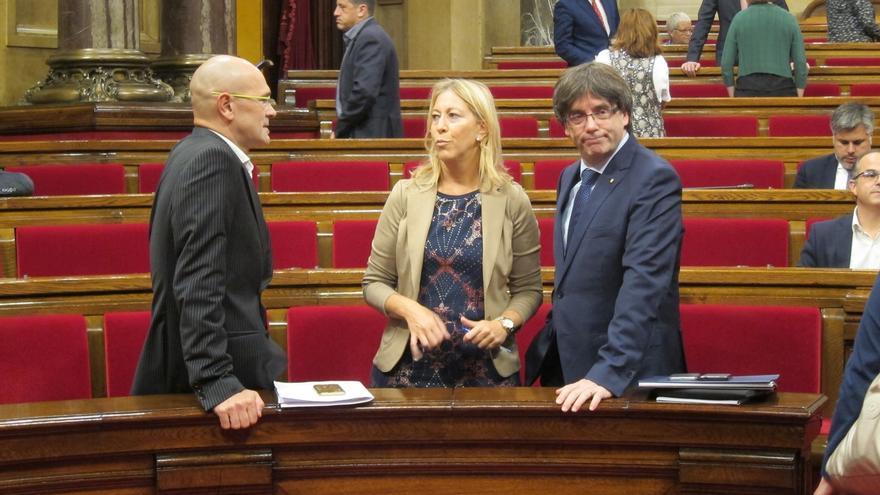"""Puigdemont pide al PSC avalar lo que decida la gente y no """"el Íbex 35 o los barones"""""""