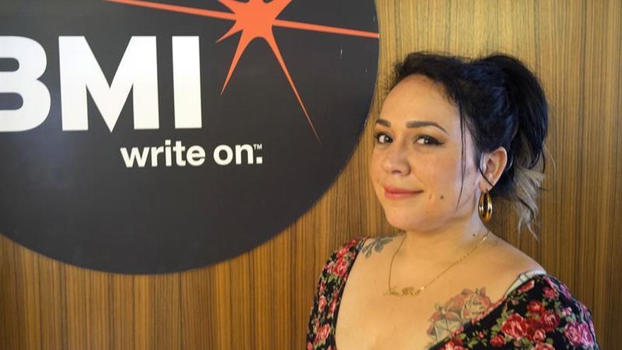 """Carla Morrison: """"Yo quiero ser fuerte como Shakira"""""""