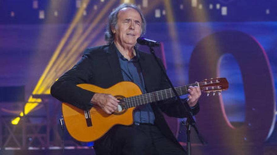 La 'polémica' de la Nochebuena: Serrat cantó en catalán con Alborán y Estopa en TVE