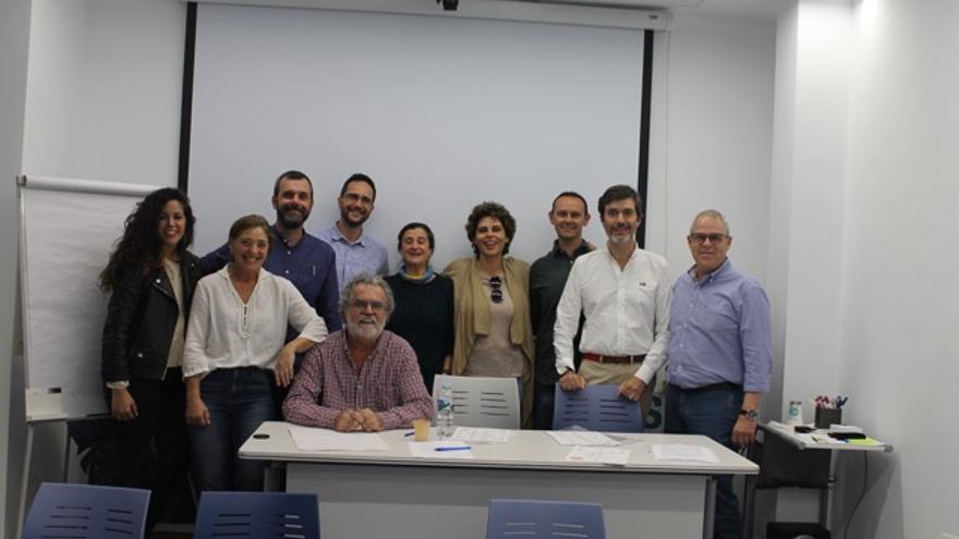 Directivas y entrantes salientes del Colegio de Veterinarios de Las Palmas.