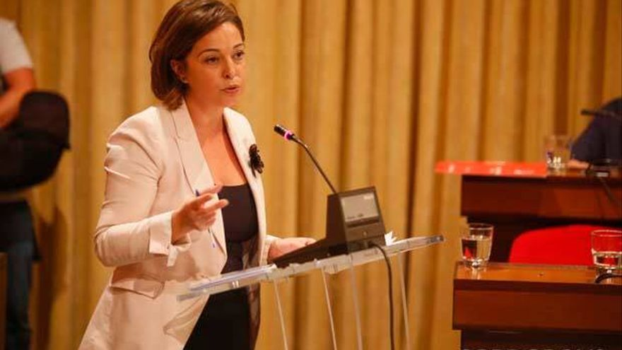 Isabel Ambrosio en el Pleno | MADERO CUBERO