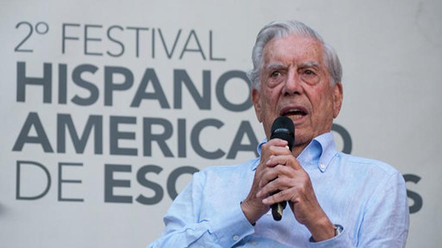 Mario Vargas Llosa este lunes en Los Llanos de Aridane.