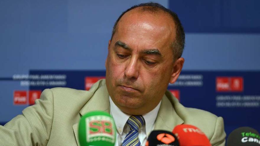 El parlamentario socialista Julio Cruz