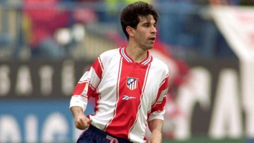 Juan Carlos Valeron con la camiseta del Atlético de Madrid