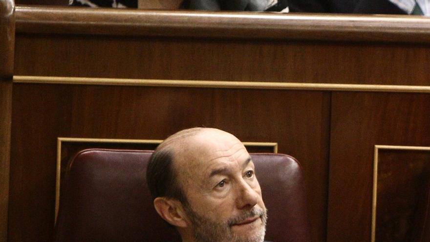 """Rubalcaba desvela que habló por última vez con Rajoy el 7 de agosto y dice que no llamaría """"habitual"""" a su interlocución"""