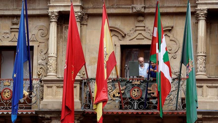 El Congreso debate hoy una moción de UPN en rechazo a la ikurriña en Pamplona