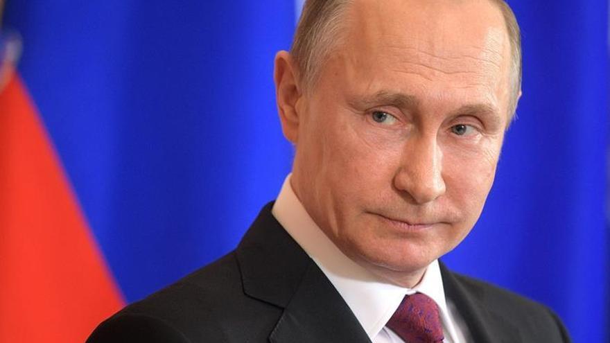 Putin dice que los socios de la OTAN asienten a EEUU sin analizar lo que pasa