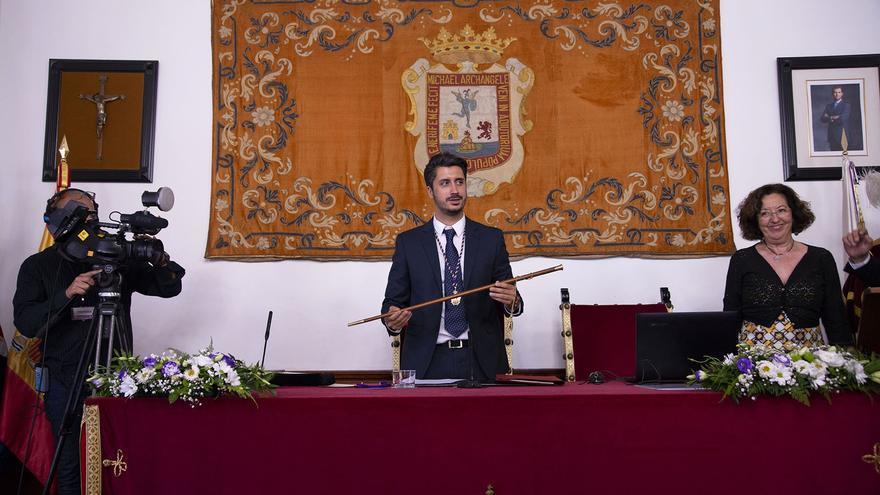 Luis Yeray Gutiérrez, en su puesto en la mesa presidencial del pleno lagunero, este mediodía