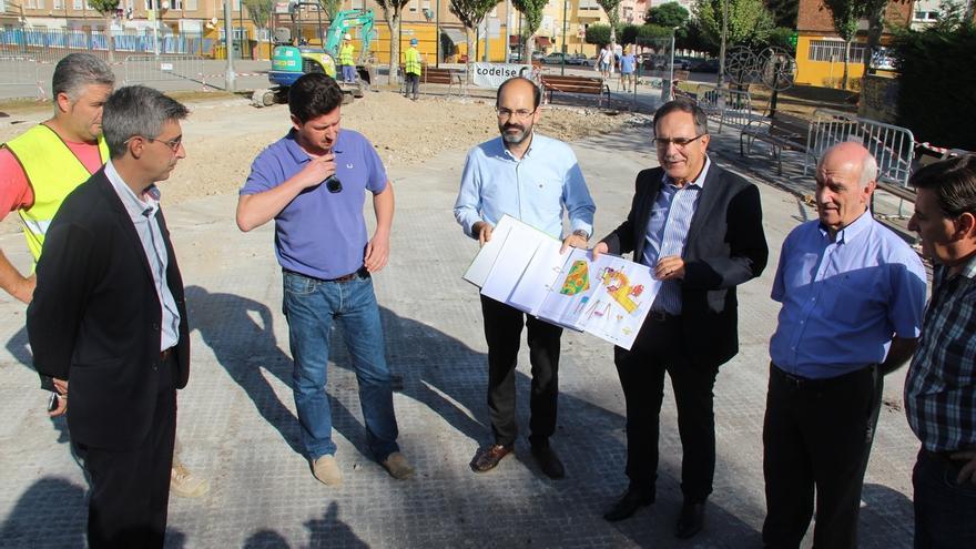 Los parques infantiles que se construyan o amplíen serán de integración, anuncia el alcalde