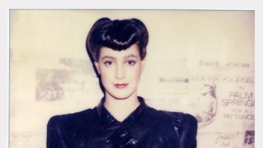 Mary Sean Young guardaba unas polaroids de un trabajo que hizo en los 80