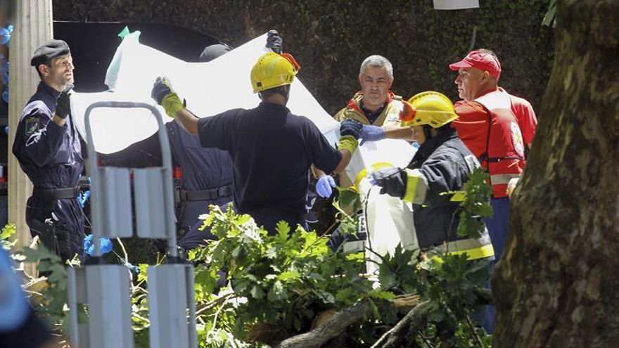 Siete personas permanecen ingresadas en Madeira por la caída del árbol que dejó 13 muertos