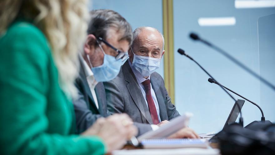 La Comisión de Instituciones, Gobernanza Pública y Seguridad del Parlamento Vasco ha acogido este lunes en Vitoria la comparecencia del consejero de Seguridad, Josu Erkoreka