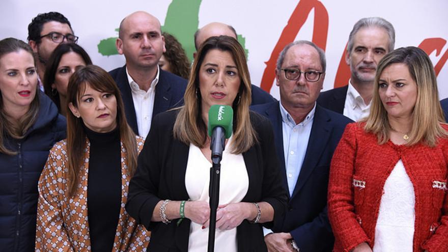 Susana Díaz comparece junto a toda su ejecutiva tras las elecciones del 2 de diciembre.