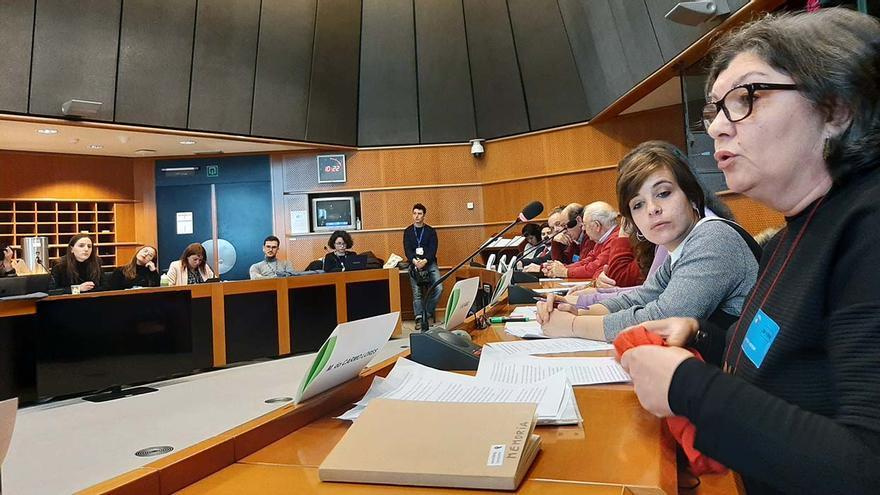 Testimonio de víctimas del fascismo en las jornadas 'Franquismo después de Franco' en el Parlamento Europeo.