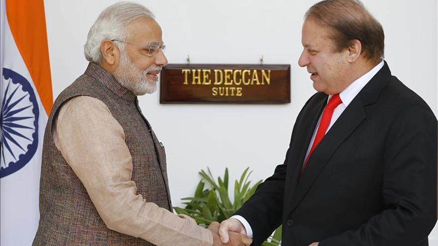 La India y Pakistán acuerdan seguir dialogando tras reunirse en Bangkok