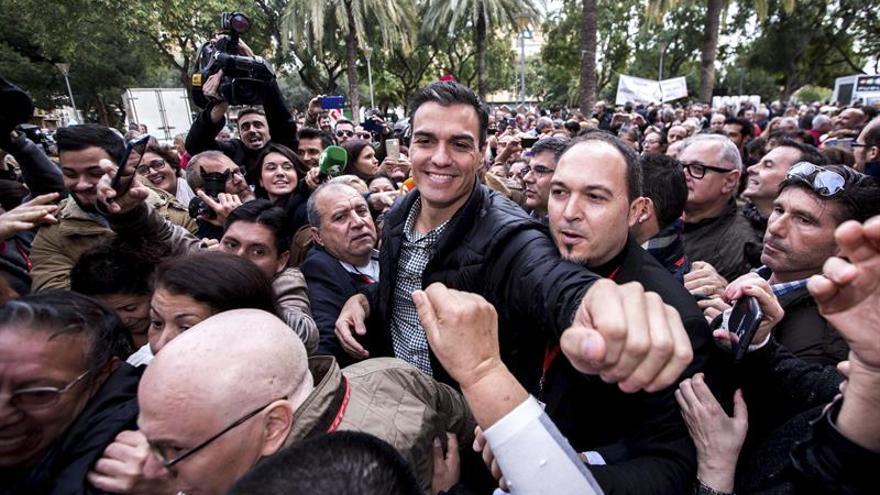 Sánchez viaja a México para asistir a un foro y ver a militantes socialistas