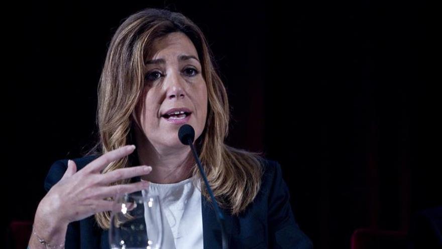 La presidenta de Andalucía pide respeto para los fiscales