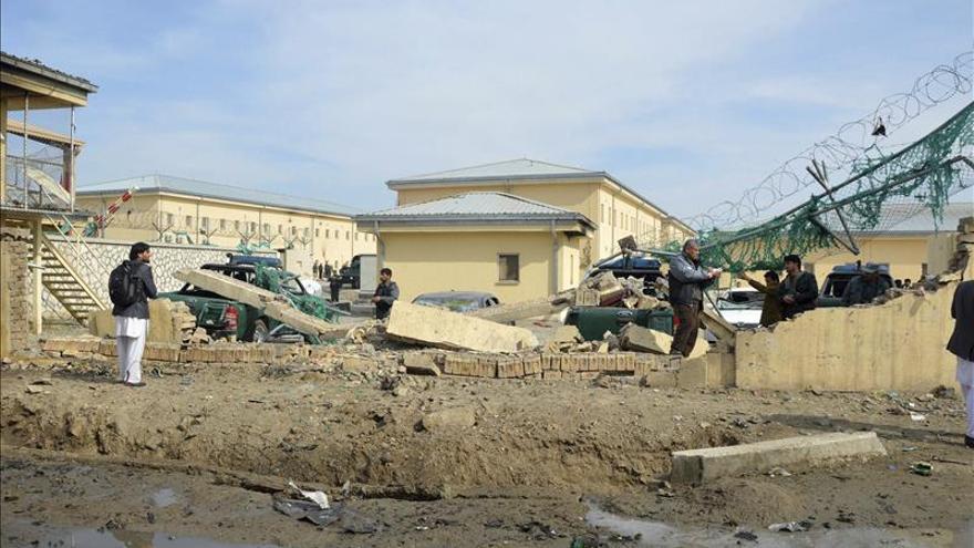 58 muertos en combates en Afganistan, entre ellos un grupo de suicidas
