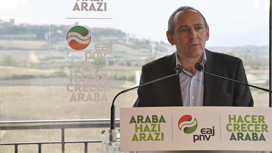 """González (PNV) gobernará Álava desde el """"acuerdo"""", con la economía y el empleo como prioridades"""