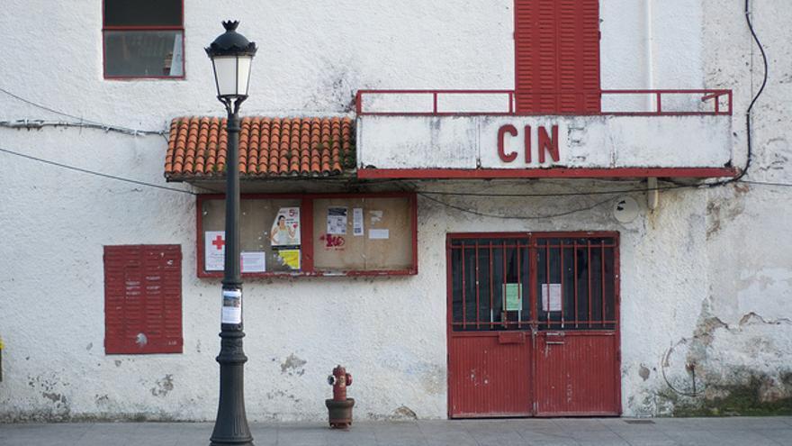 Foto de un cine cerrado de Diego David García