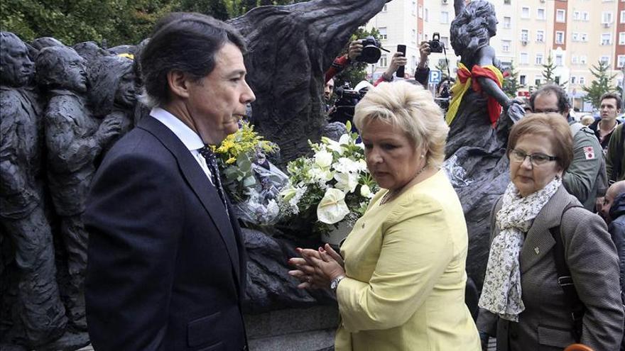 González y Pedraza homenajean a las víctimas en respuesta al fallo de Estrasburgo