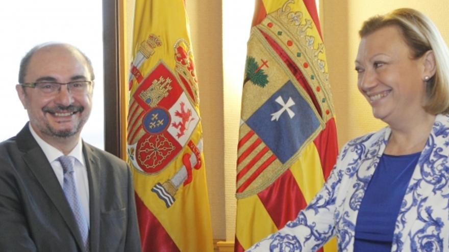 Javier Lambán, presidente de Aragón (PSOE), y Luisa Fernanda Rudi, ex presidenta (PP).