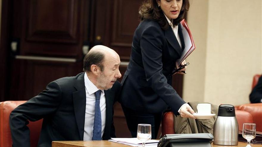 La exmujer de Carlos Mulas se autoinculpa pero el PSOE no da marcha atrás