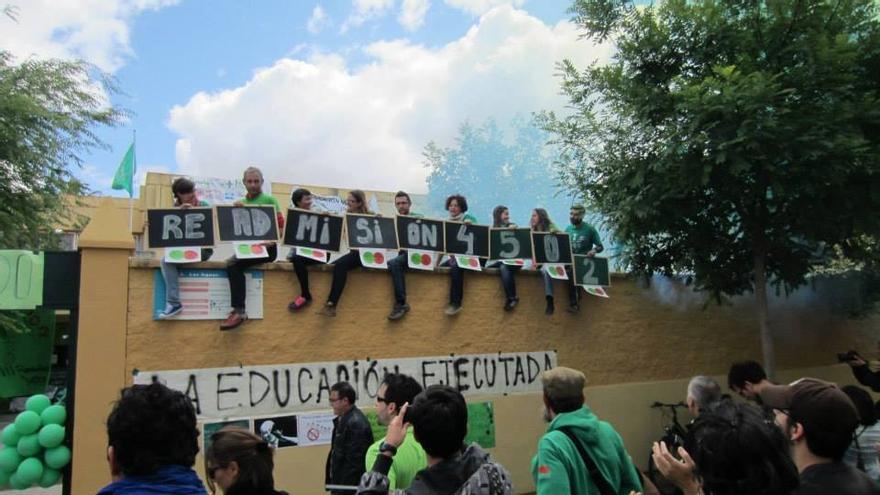 Este curso académico los centros andaluces han contado con 30.000 alumnos más frente a los 4502 profesores menos
