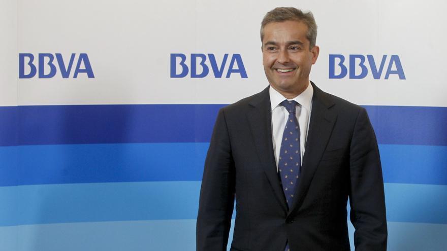 """(Ampl.) Cano (BBVA) garantiza que la banca hace esfuerzos """"ingentes"""" para evitar los desahucios"""