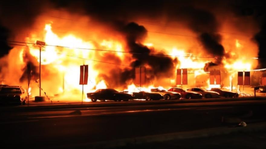 Imágenes del incendio en el set de 'I Know This Much Is True'