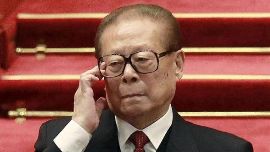 """China expresa """"fuerte malestar"""" tras orden de arresto contra sus exlíderes"""