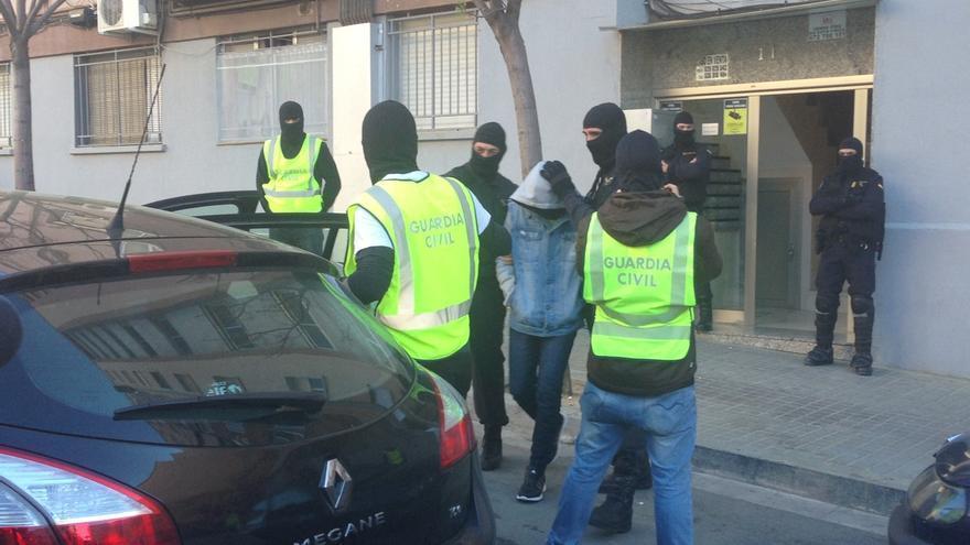 """La Guardia Civil espera que la detención en Gerona ayude a """"neutralizar"""" la financiación del EI desde Europa"""