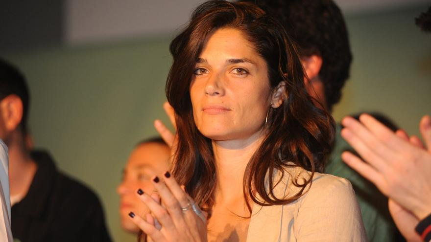 """Colau manda a Clara Serra un """"abrazo que trasciende citas y cálculos electorales"""" tras su dimisión"""