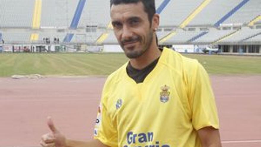 Dani Carril, en su presentación como jugador de la UD Las Palmas. (ACFI PRESS)