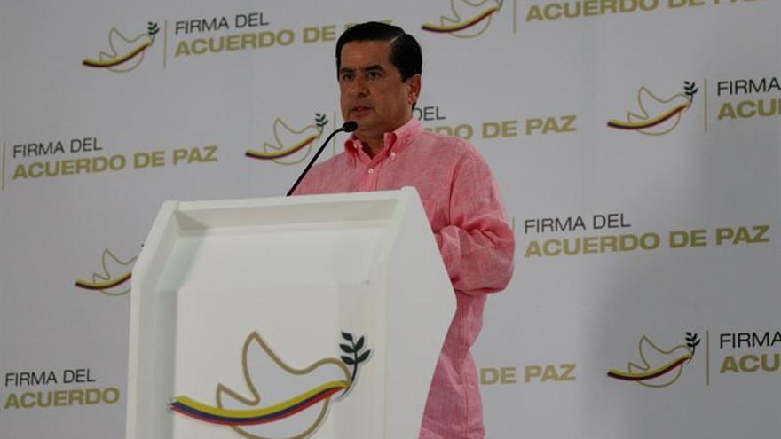 Un ministro colombiano viaja a Washington para hablar de los avances del acuerdo de paz