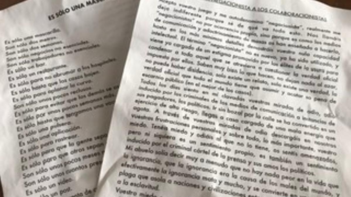 Textos negacionistas que han aparecido en varios vehículos de Las Palmas de Gran Canaria.