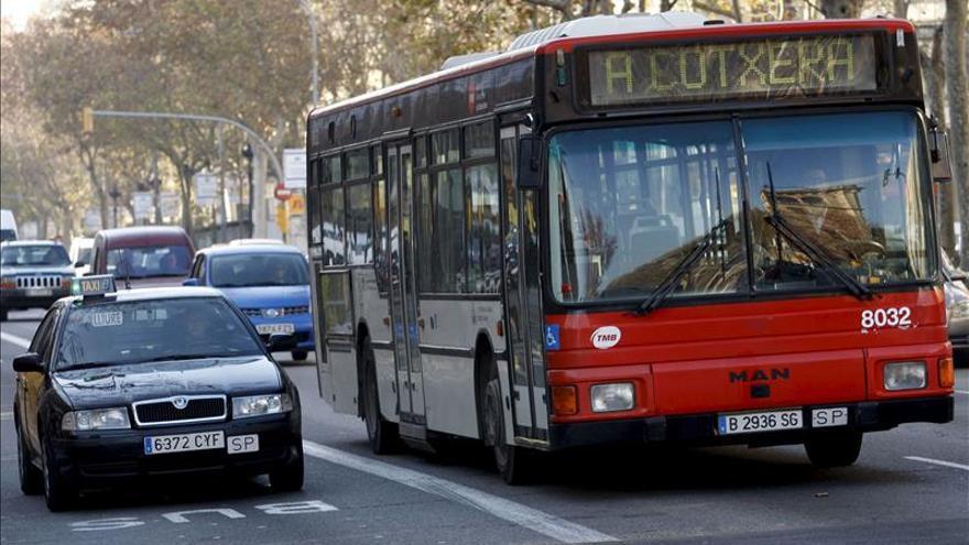 FGC y autobuses se suman a la huelga del metro durante el Congreso Móviles