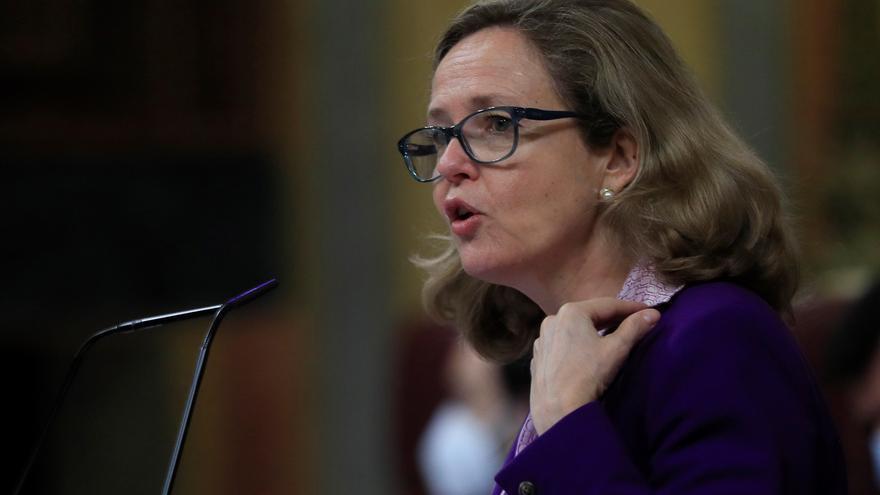 Calviño aboga por aplazar la decisión sobre el salario mínimo a 2021